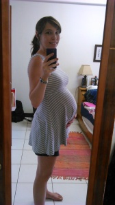 And last but not least, I will leave you with this loverly image of the baby Anna bump at 32 weeks.
